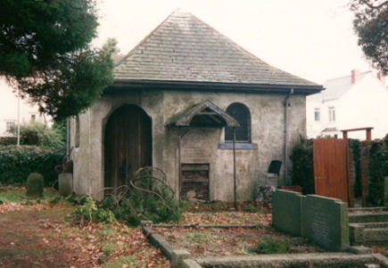 Newport Old Jewish Cemetery - general view including the Ohel