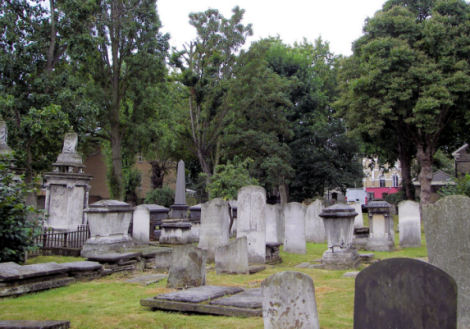 Lauriston Road Cemetery - general view